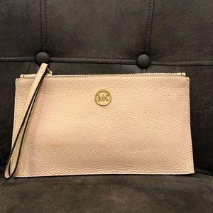MICHAEL KORS wristlet purse bag